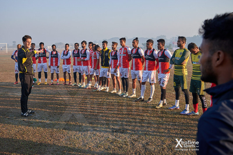 Dhaka, Bangladesh. 11 Dec 2018.  Johnathan McKinstry (Head Coach) works with players. Saif Sporting Club in training ahead of their quarter final match in the Walton Independence Cup 2018.  Credit: XtraTimeSports (Darren McKinstry).
